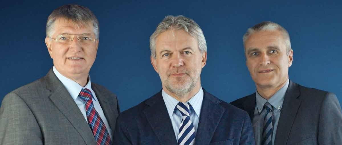 Daka-Vorstand von links nach rechts: Dipl.-Soz.päd. Detlef Rujanski, Assessor jur. Fritz Berger, Dipl.-Volksw. Frank Zehetner, stellvertretender Vorsitzender