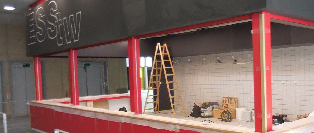 in Aachen entsteht eine neue Kaffeebar mit roter Theke
